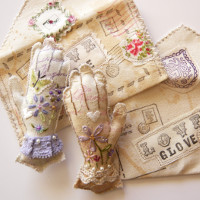 love gloves brooches